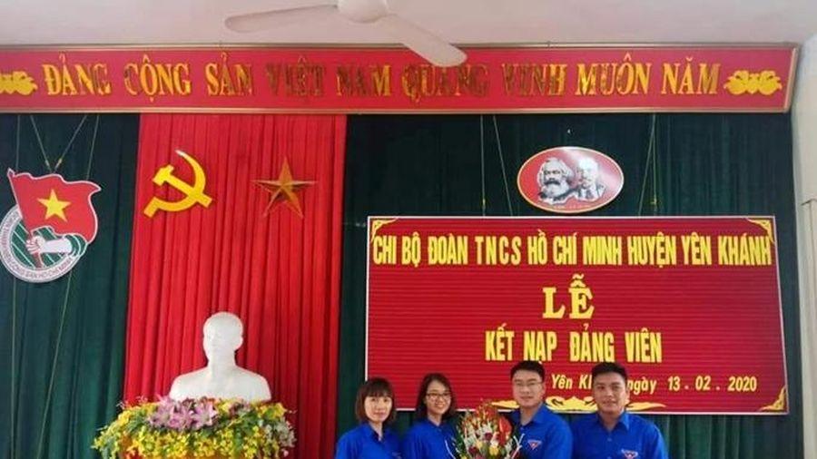 Ninh Bình thi đua nâng cao hiệu quả công tác tổ chức xây dựng Đảng