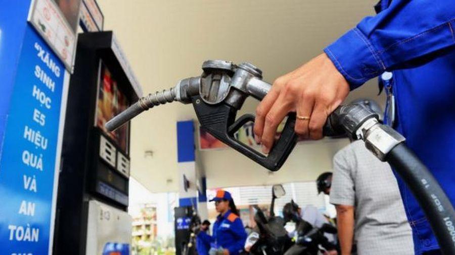Hà Nội: Kiên quyết xử lý các trường hợp lợi dụng giá xăng để tăng giá cước