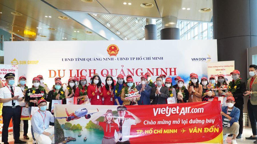 Vietjet 'xông đất' sân bay Vân Đồn ngày đầu mở cửa lại