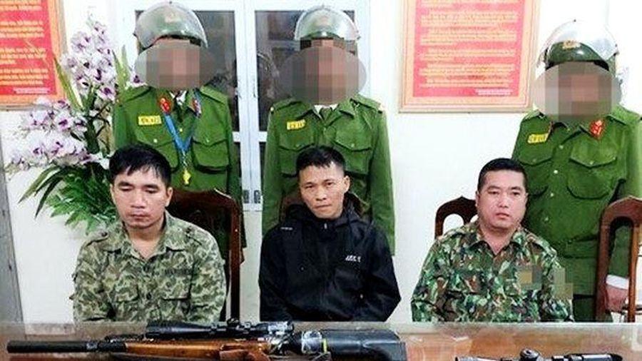 Vác súng đi săn không thành, 3 đối tượng bị bắt giữ trên đường về
