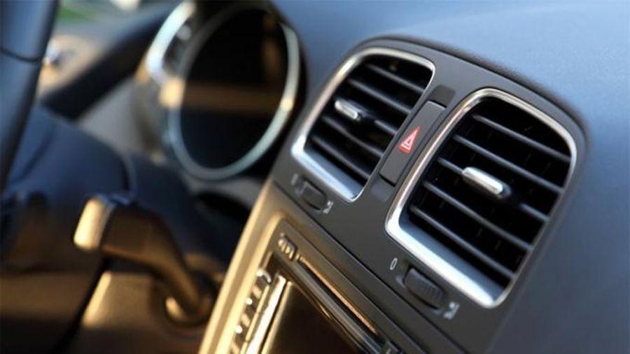 Điều hòa ô tô ngày nắng rát, cách dùng để không 'tàn phá' sức khỏe và nhiên liệu
