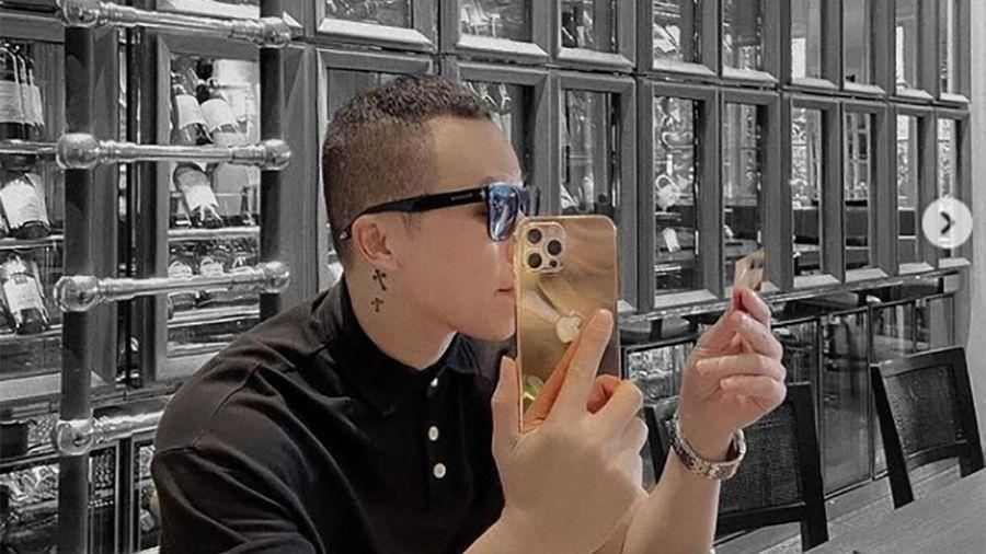 Khắc Tiệp khoe iPhone 12 Pro Max mạ vàng 18K: Thế giới chỉ có 500 chiếc, choáng nhất là mức giá