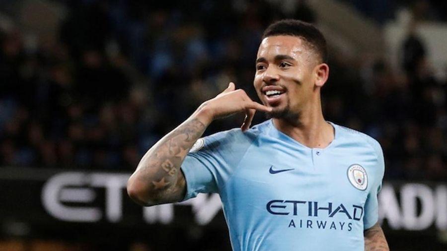 Man City hơn MU 15 điểm, cân bằng hai kỷ lục ấn tượng