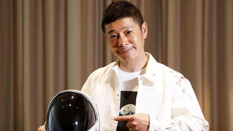 Tỷ phú Nhật Yusaku Maezawa bỏ tiền túi mời 8 người lạ cùng bay lên mặt trăng