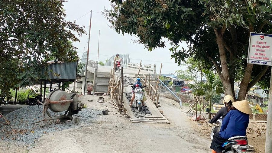 Sẽ thi công đường dẫn lên cầu dây văng số 5 trong thời gian sớm nhất