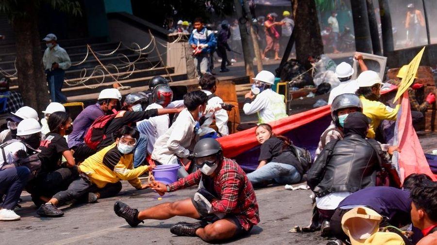 18 người biểu tình Myanmar chết trong một ngày