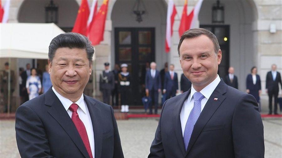 Vaccine đang trở thành 'món hàng ngoại giao' giữa Trung Quốc và Ba Lan?