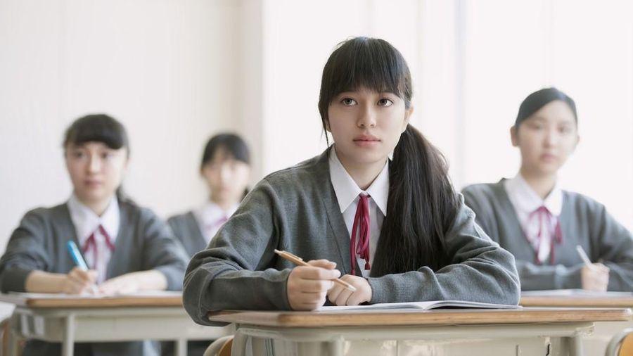 Cấm nhuộm tóc và những nội quy nghiêm ngặt đến khó tin đối với học sinh trung học Nhật Bản