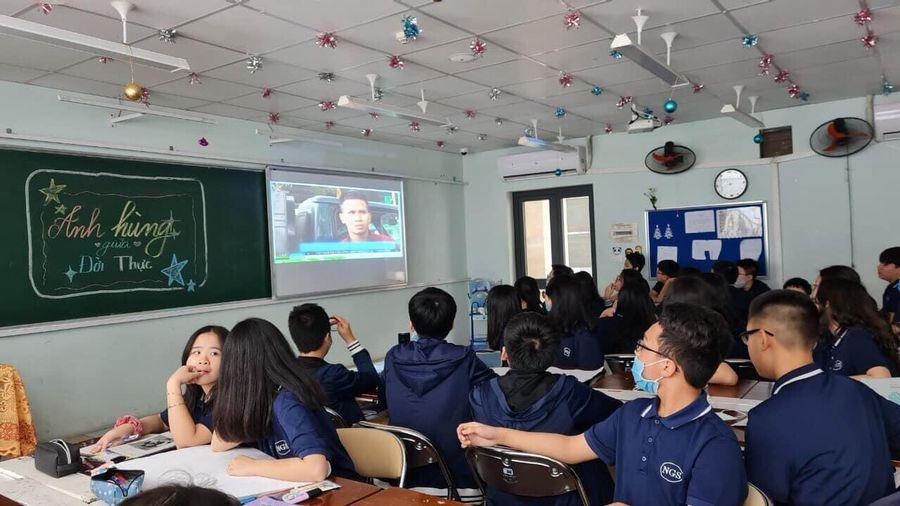 Anh Nguyễn Ngọc Mạnh cứu cháu bé rơi từ tầng 12A chung cư xuất hiện trong các tiết học Ngữ văn và kỹ năng sống