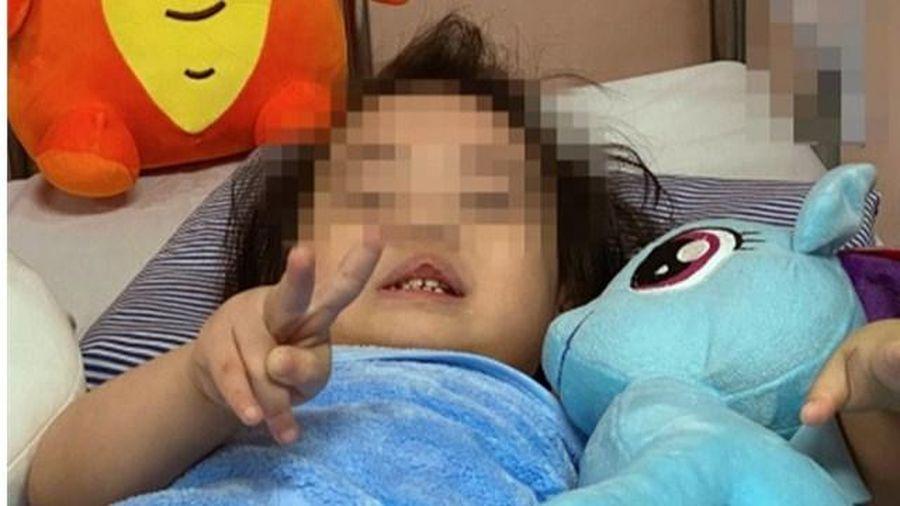 Bé gái 2 tuổi rơi từ tầng 12A chung cư ở Hà Nội dự kiến ra viện ngày 5/3