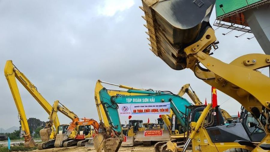Sắp khởi công hai dự án đường bộ cao tốc Bắc – Nam
