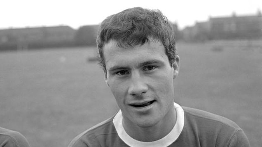 Cầu thủ cuối cùng chuyển từ MU sang Liverpool qua đời