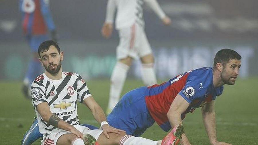 Solskjaer ngăn cản Bruno Fernandes