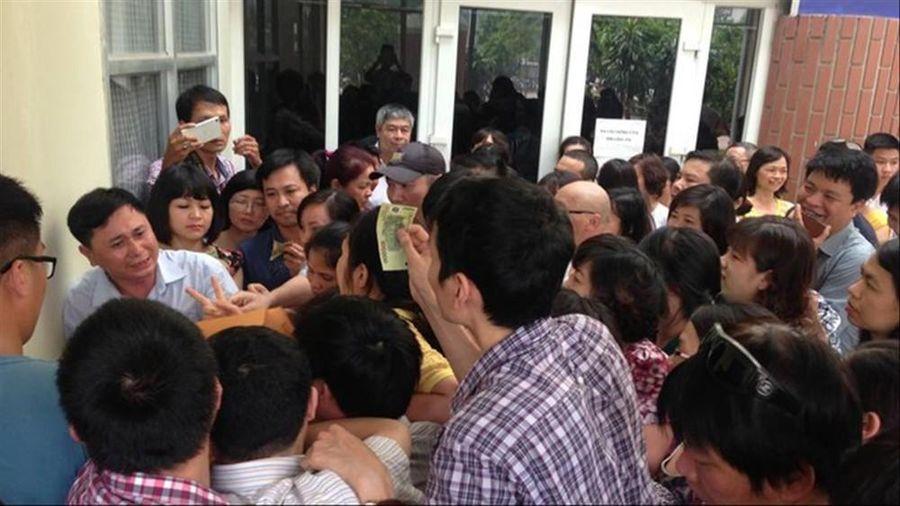Tuyển sinh lớp 6 trường 'hot' ở Hà Nội: Học sinh, phụ huynh phát sốt