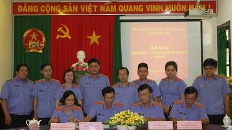 Cụm thi đua số 3 VKSND tỉnh Tiền Giang phát động, ký kết giao ước thi đua