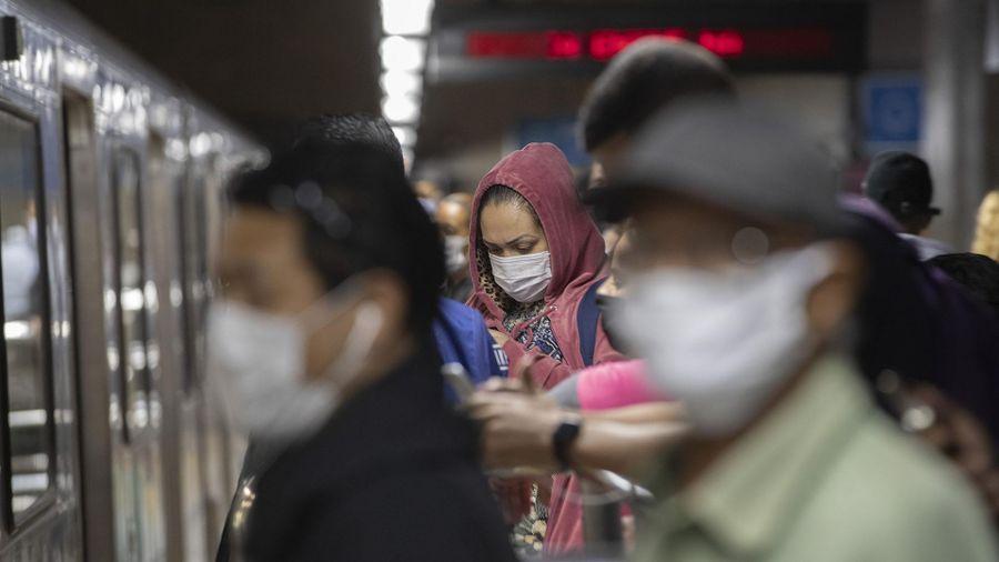 Brazil áp đặt biện pháp 'hạn chế đỏ' do số ca mắc và tử vong tăng cao