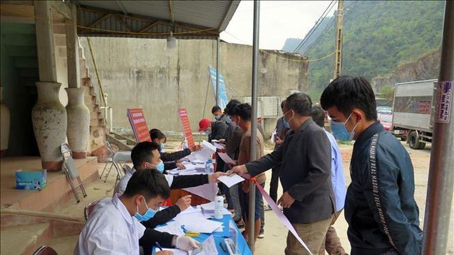 Đến sáng 4/3, Việt Nam còn 51.572 người đang cách ly phòng dịch COVID-19