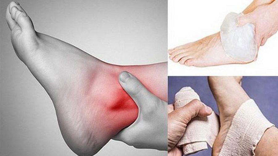 Các bước sơ cứu khi bị trật khớp chân
