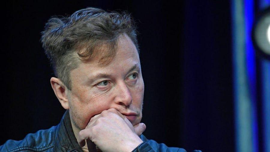 Các kỹ sư tên lửa của SpaceX từng đình công vì bị bỏ đói trên hòn đảo không có thức ăn