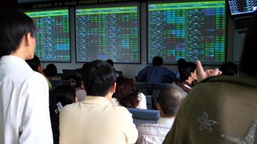 Tăng lô giao dịch chứng khoán lên 1.000 cổ phiếu: Hi sinh nhà đầu tư nhỏ?