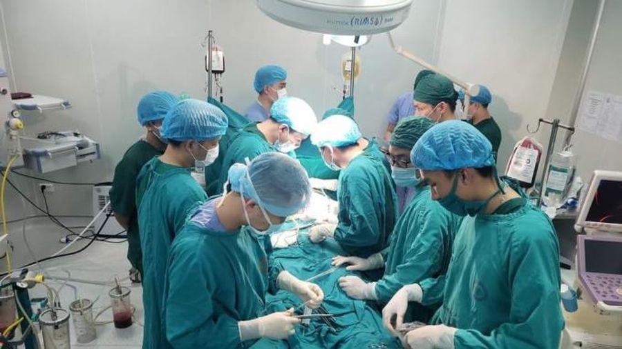 Quảng Ninh: Một bệnh nhân bị đâm vào tim đã được cứu sống