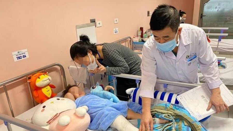 Bệnh nhi ngã từ tầng 12 được dự kiến xuất viện vào ngày mai