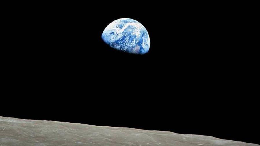 Câu chuyện thú vị đằng sau tấm hình chụp Trái đất nổi tiếng nhất mọi thời đại
