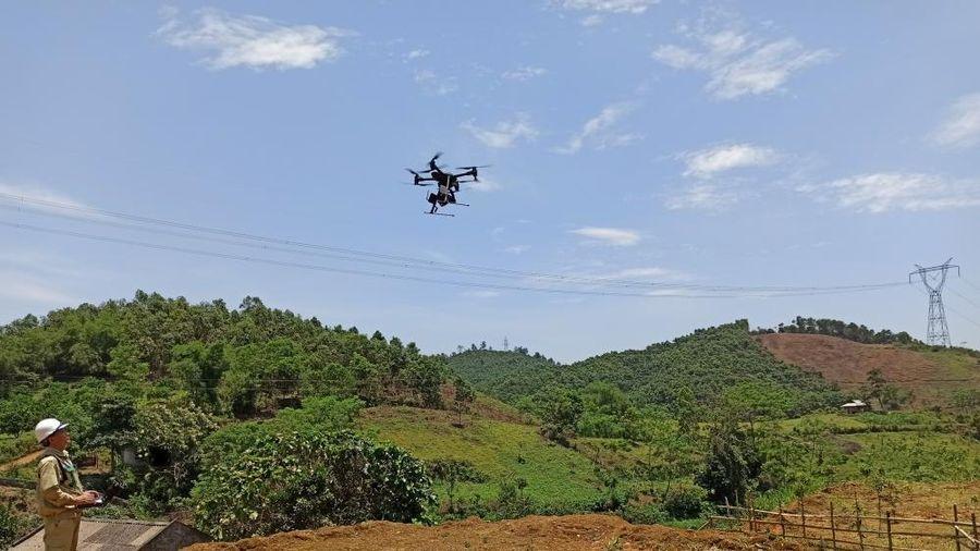 Sử dụng thiết bị bay không người lái: Quản lý lưới điện hiệu quả