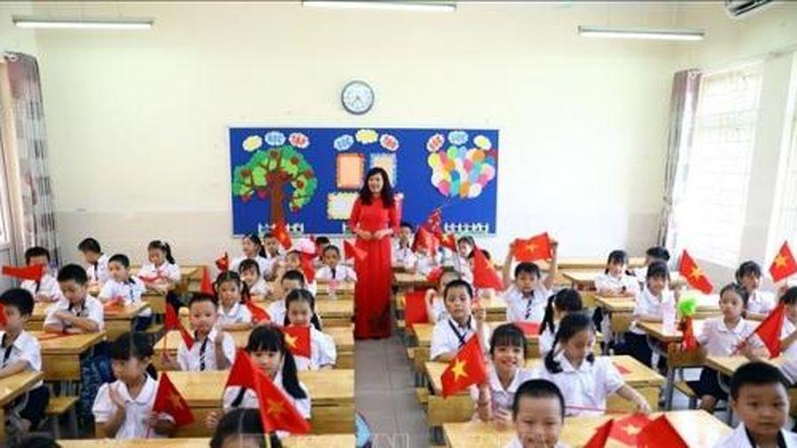 Tiếng Hàn trở thành môn học 'bắt buộc' từ lớp 3, Bộ GD-ĐT nói gì?