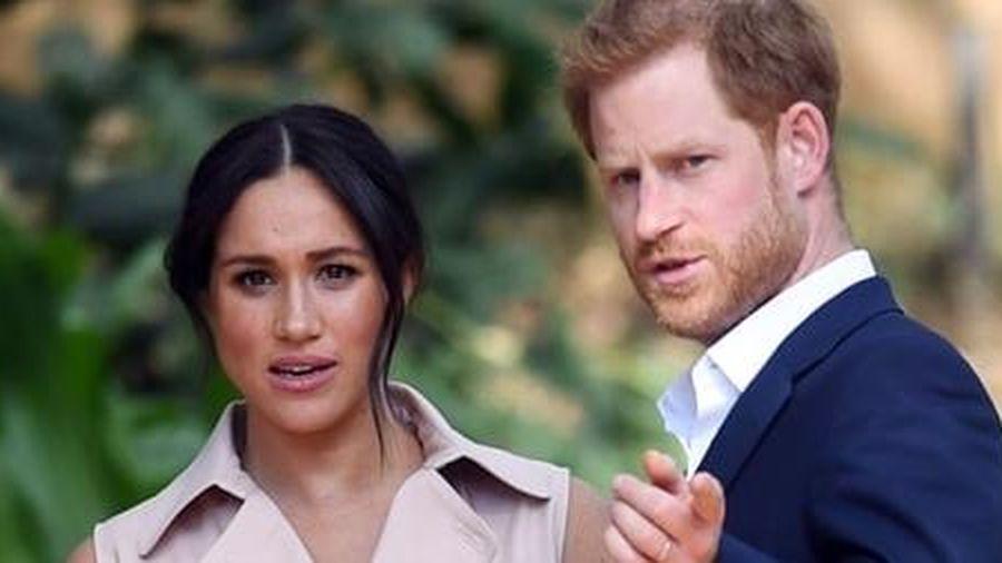 Hoàng gia Anh điều tra cáo buộc vợ hoàng tử Harry bắt nạt nhân viên