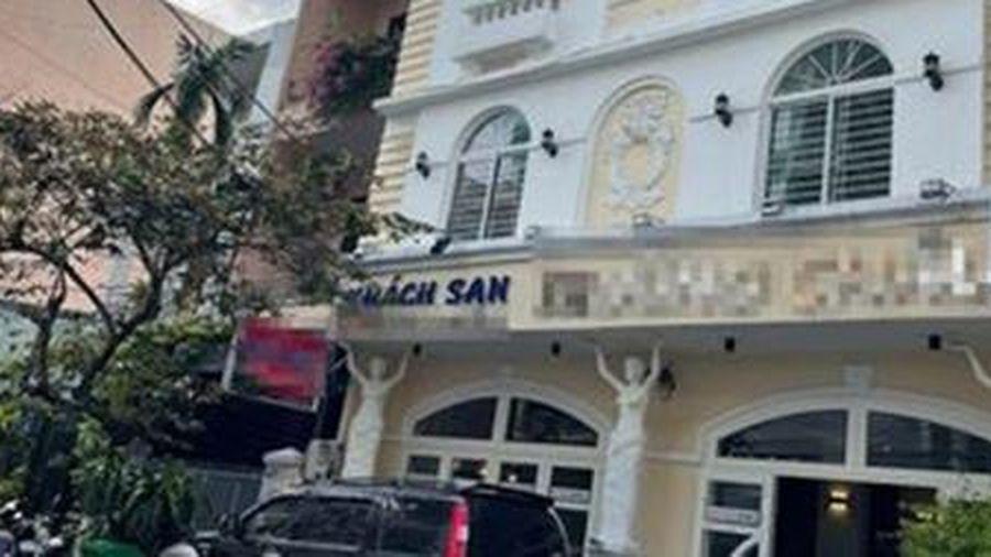Hai người đàn ông nghi sốc ma túy tử vong trong khách sạn