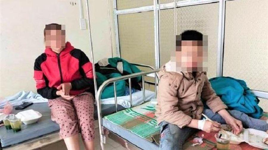 32 học sinh Hà Giang nhập viện sau khi ăn tối ở trường