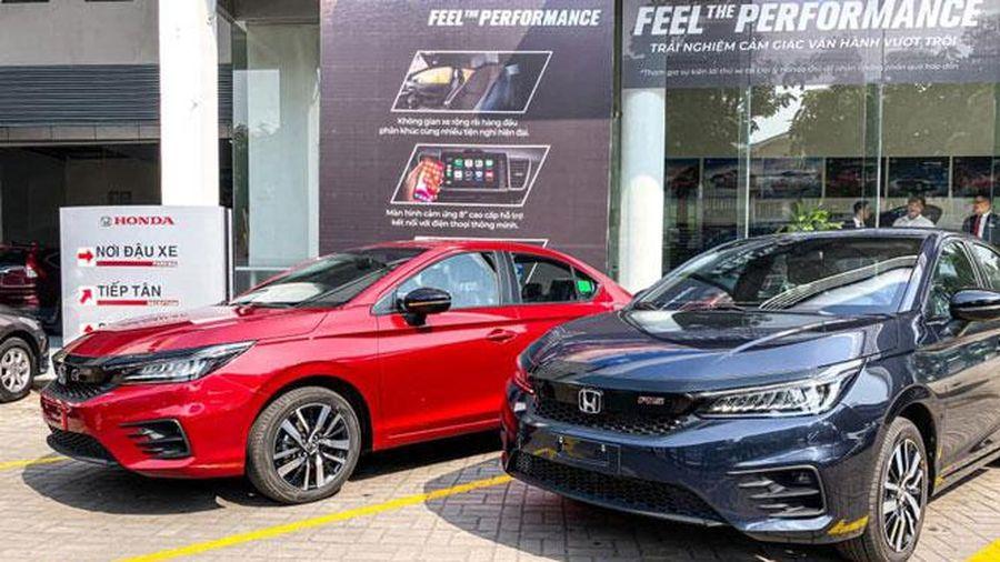 Nhiều mẫu ô tô được giảm giá sâu, ưu đãi lớn trong tháng 3