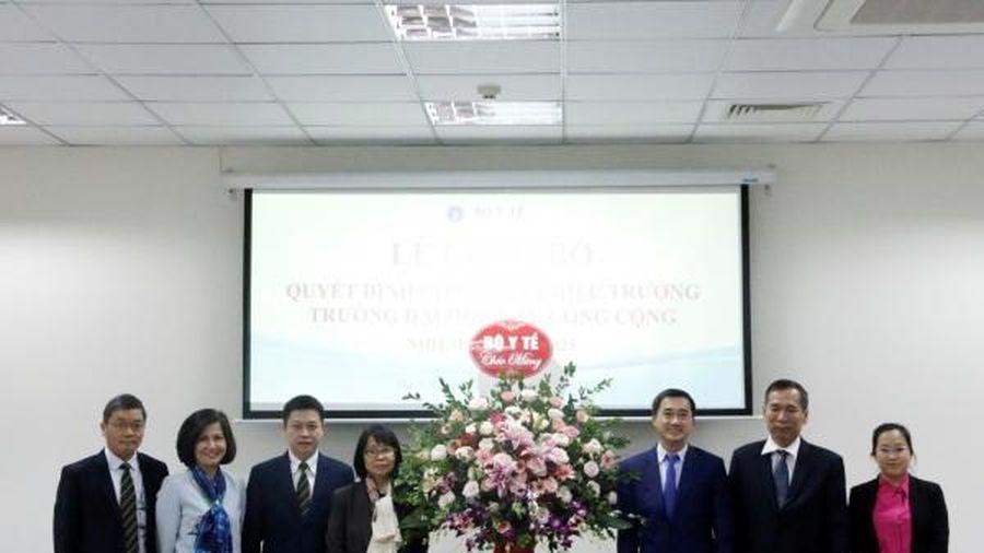 Công bố quyết định bổ nhiệm Hiệu trưởng Trường Đại học Y tế công cộng cho GS.TS Hoàng Văn Minh