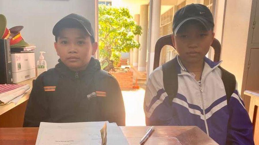 Hai học sinh lớp 6 trả lại 1,5 triệu đồng cho người đánh rơi