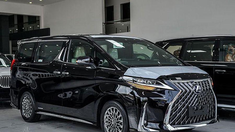 Đại lý nhận đặt cọc Lexus LM350, từ 6,99 tỷ tại Việt Nam