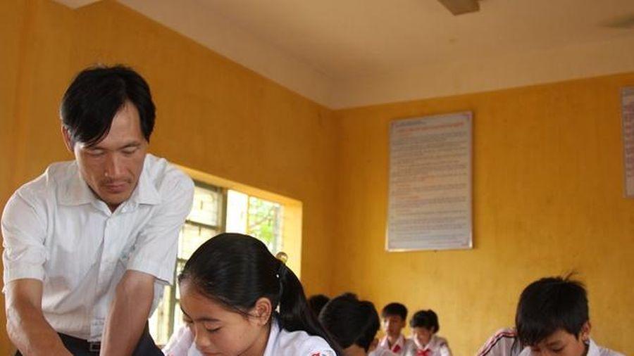 Trường vùng khó nhập cuộc nhanh triển khai Chương trình, SGK lớp 2 và lớp 6