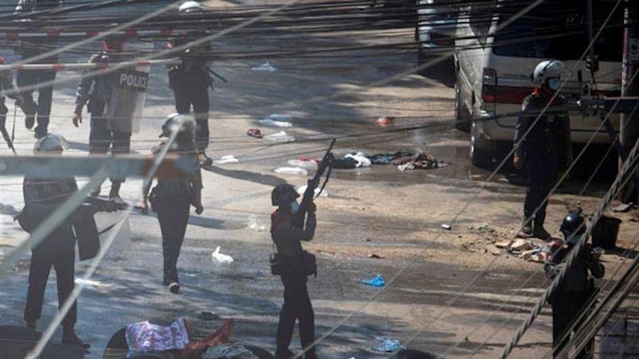 Hàng chục cảnh sát Myanmar kháng quân lệnh, vượt biên sang Ấn Độ
