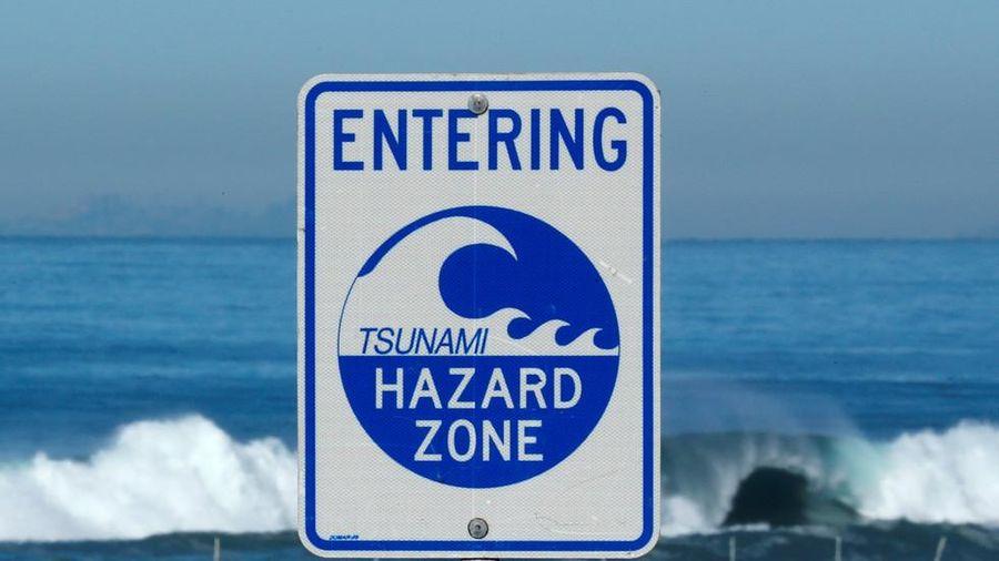 Cảnh báo sóng thần tấn công Hawaii và Samoa sau trận động đất độ lớn 8,1 tại New Zealand