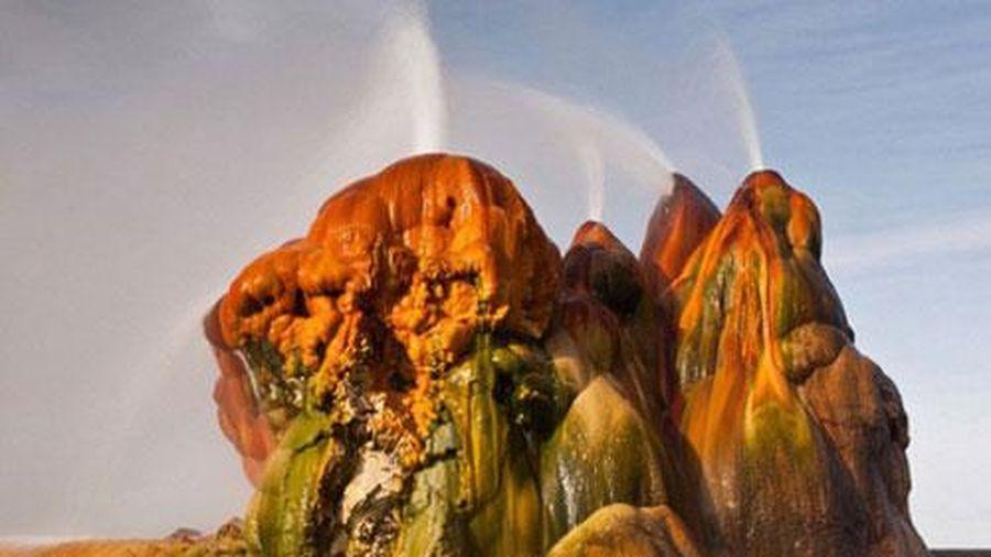 Những cảnh kỳ lạ nhất giữa các sa mạc trên thế giới