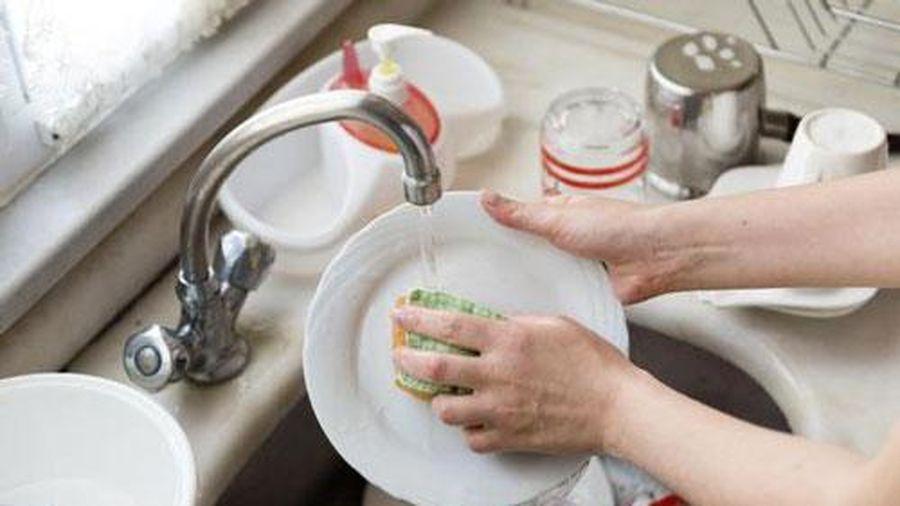 Có thói quen này khi rửa bát sẽ 'đưa cả nhà ra nghĩa địa' sớm
