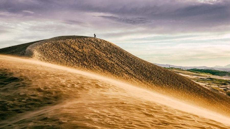 Khám phá đồi cát giống thế giới trong 'Ngàn lẻ một đêm' ở Nhật Bản