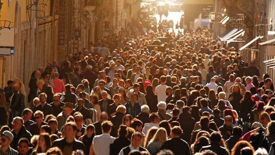 Điều gì sẽ xảy ra nếu 100 tỷ người đã chết trên Trái Đất vẫn còn sống đến hiện tại?