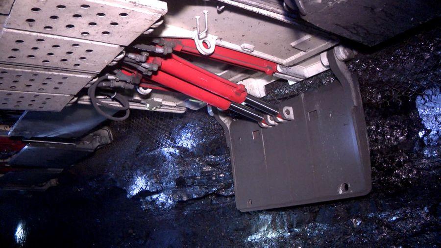 Công nghệ giàn chống siêu nhẹ trong khai thác vỉa than dày