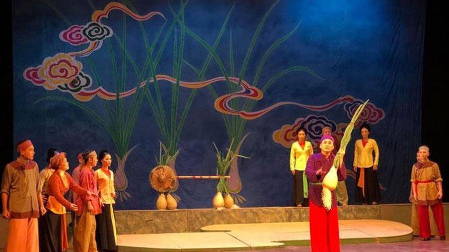 Nghệ sĩ Ưu tú Phú Kiên: Bền bỉ níu giữ những giá trị