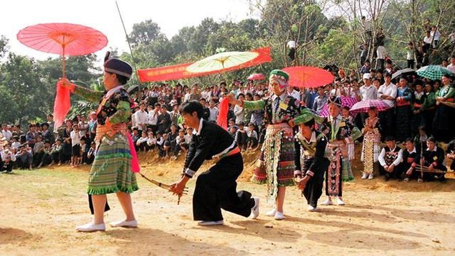 Tổ chức Ngày hội dân tộc Mông lần thứ 3