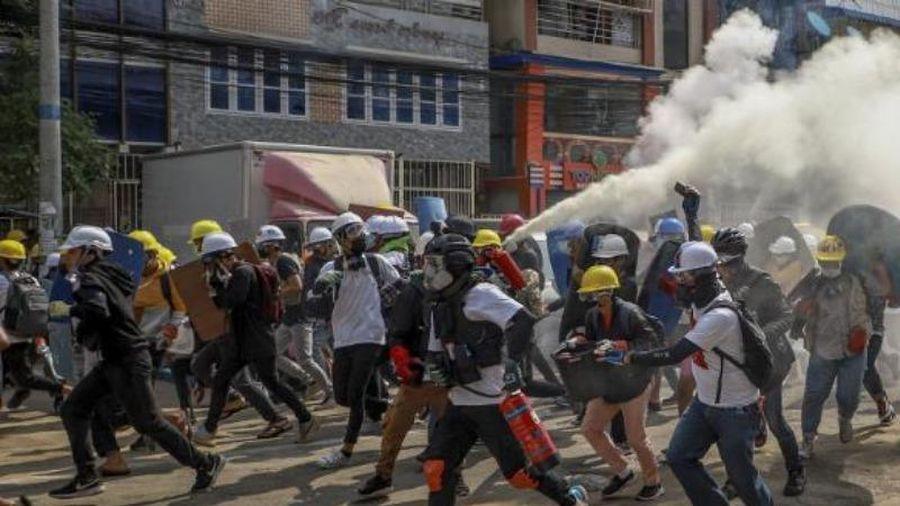 Thêm 1 người biểu tình ở Myanmar bị bắn chết