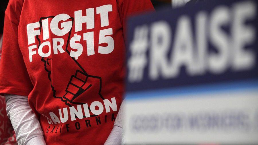 Thượng viện Mỹ bác đề xuất tăng lương tối thiểu lên 15 USD