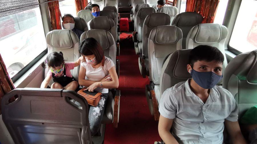 Hà Nội dừng giãn cách hành khách trên xe buýt từ 8/3
