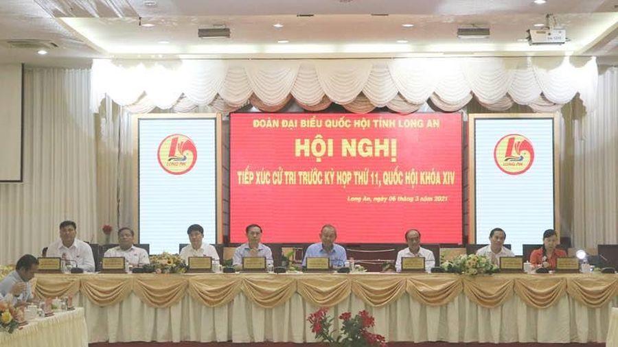 Phó Thủ tướng Thường trực Chính phủ Trương Hòa Bình tiếp xúc cử tri